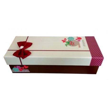 Коробка с бордовым бантом