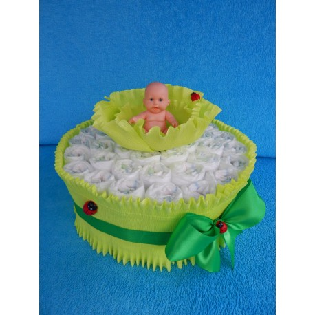 Торт для новорожденной девочки из памперсов